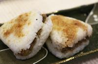 入選「焼きおにぎりにけんちんの具を挟んだバーガー」会沢勝美さん